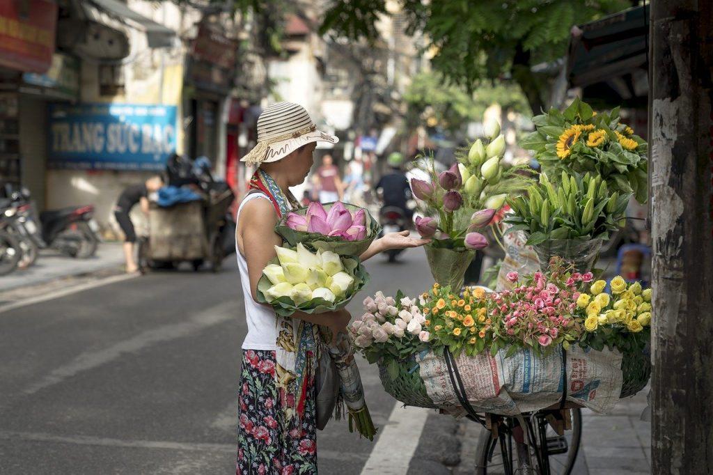 Street of Hanoi, Flowers | Vietnam Safe