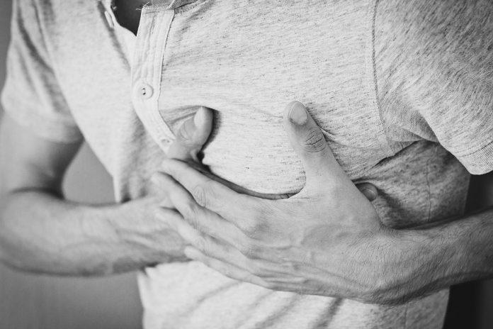 chest pain left side